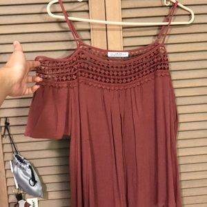 Off the shoulder rose/maroon top